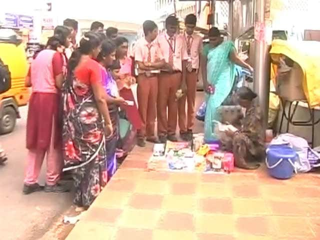 Video : How These Chennai Schoolchildren Help Get Beggars Off Streets