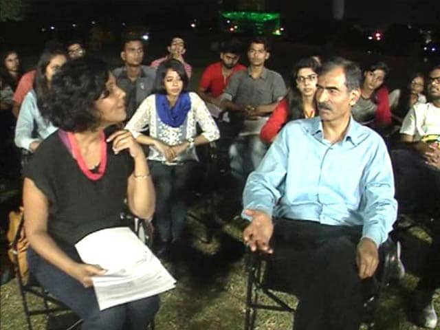 Video : 'AAP Only Party That Needs Salary' - True Or False?