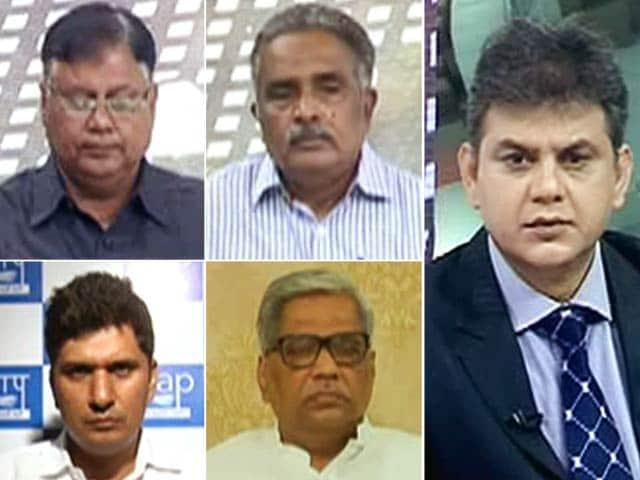 Videos : न्यूज प्वाइंट : दिल्ली में विधायकों की सैलरी पर सियासत?
