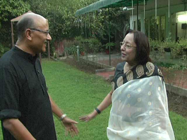 Video : 'Akhilesh Yadav Should Not Listen to His Uncle': Najma Heptulla