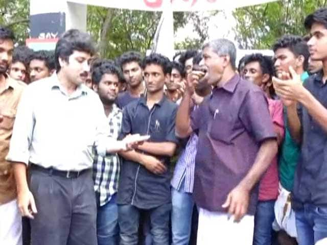 Video : Kerala Student Politics Gets a Taste of Beef