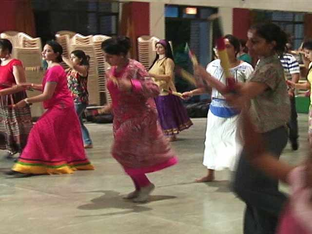 Video : Art Matters: Gujarat's Garba Comes to Delhi