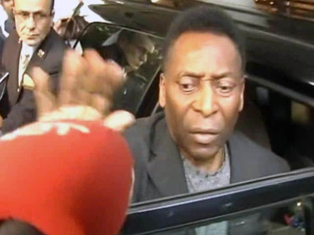 Video : Pele Checks Out of Kolkata With a 'I Love You' Comment