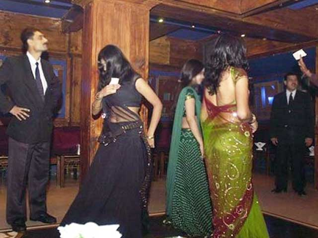 Video : Dance Bars to Reopen in Maharashtra as Supreme Court Puts Ban on Hold