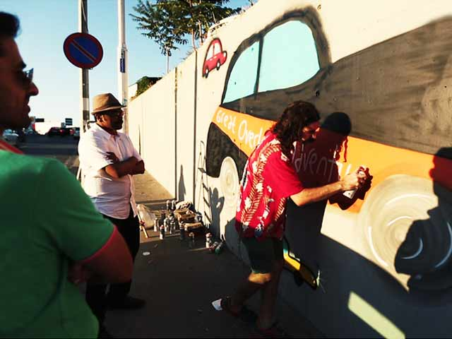 Video : #GLAadventure Gets a Graffiti on a Wall in Istanbul
