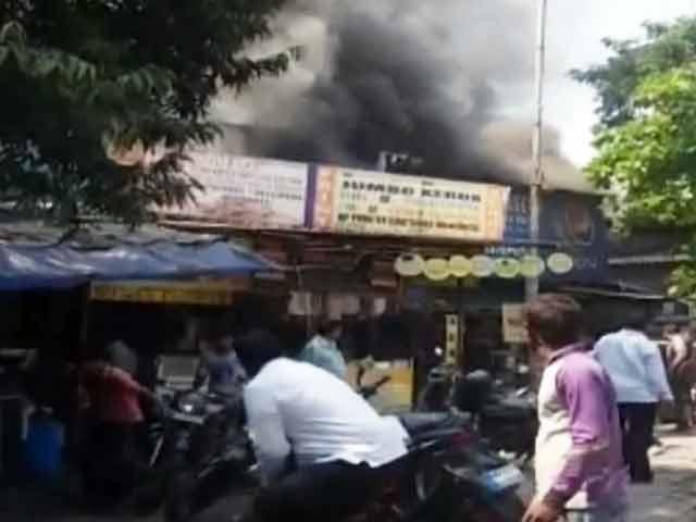 Video : कुर्ला के होटल किनारा में आग, झुलसकर 8 की मौत