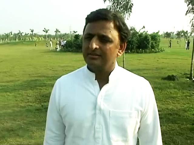 Videos : मुजफ्फरनगर और दादरी जैसी घटनाओं से कुछ दल लाभ हासिल करना चाहते हैं : अखिलेश यादव
