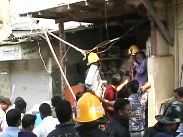 Videos : विक्रोली में रसोई गैस रिसाव से घर में आग लगी, छह लोग झुलसे