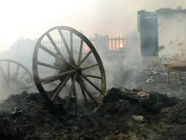 Video : 400 Slum Dwellings Destroyed in Fire in Delhi's Mangolpuri
