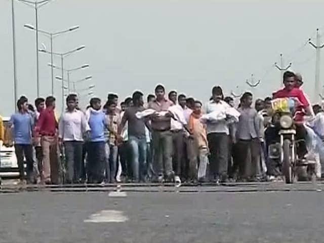 Videos : दलित बच्चों की हत्या : आरोपी परिवार की सफाई और मंत्री जी के बेतुके बोल