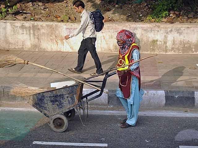 Video : दिल्ली में लंबी खिंच सकती है निगम कर्मियों की हड़ताल