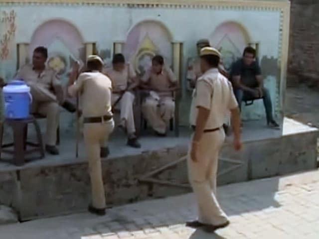 Videos : पुलिस ने दर्ज किया जितेंद्र की पत्नी का बयान, CBI को सौंपेगी : सूत्र