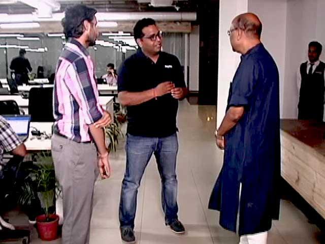 Videos : पेटीएम के विजय शेखर शर्मा और ओयो रूम्स के रितेश अग्रवाल के साथ 'चलते-चलते'