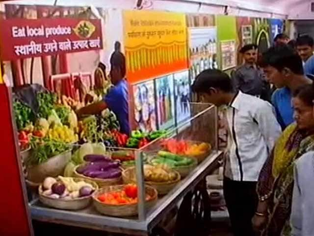 Video : An Exhibition Train is Spreading Climate Change Awareness Across India