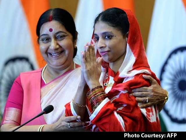Video : Geeta Home After Over 10 Years in Pakistan, Doesn't Recognise 'Family'
