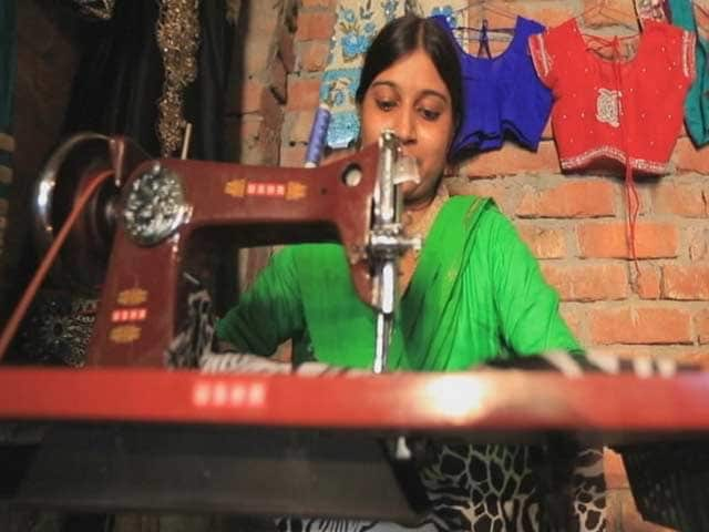Video : Meet Naseema Bano Who Runs Usha Silai School in Amethi, Uttar Pradesh