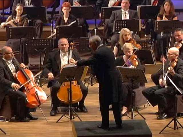 Video : Zubin Mehta Performs in New Delhi After a Decade
