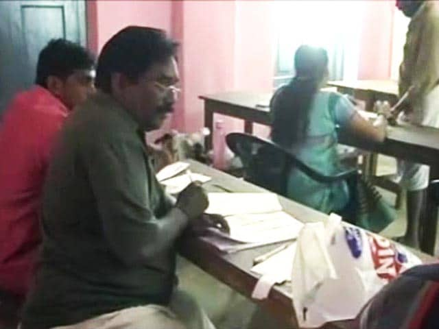 Video : Over 75 Per Cent Voter Turnout in First Phase of Civic Polls in Kerala