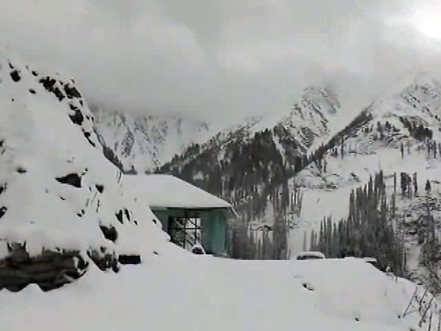 Video : ठंड की दस्तक : जम्मू-कश्मीर के कई हिस्सों में बर्फबारी