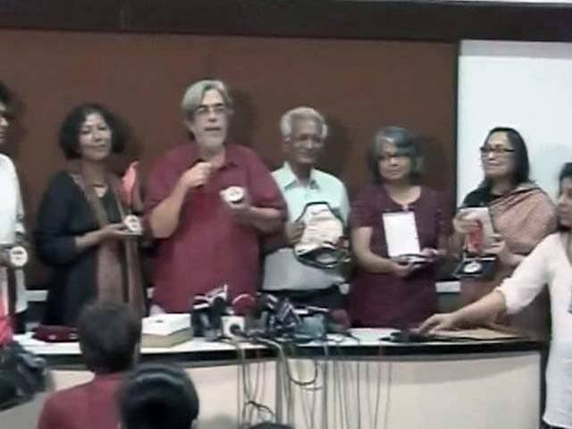 Videos : कुंदन शाह और सईद मिर्जा समेत 24 फिल्मकारों ने लौटाए राष्ट्रीय पुरस्कार