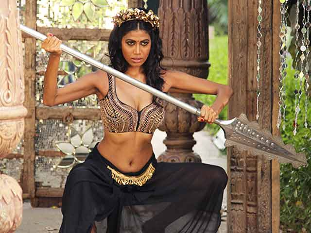 Video : Kingfisher Supermodels Get Judged on Being Warrior Princesses