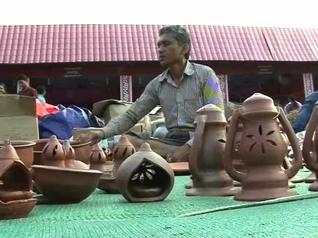 Video : Growing Demand for Designer Diyas, a Crisis for These Potters