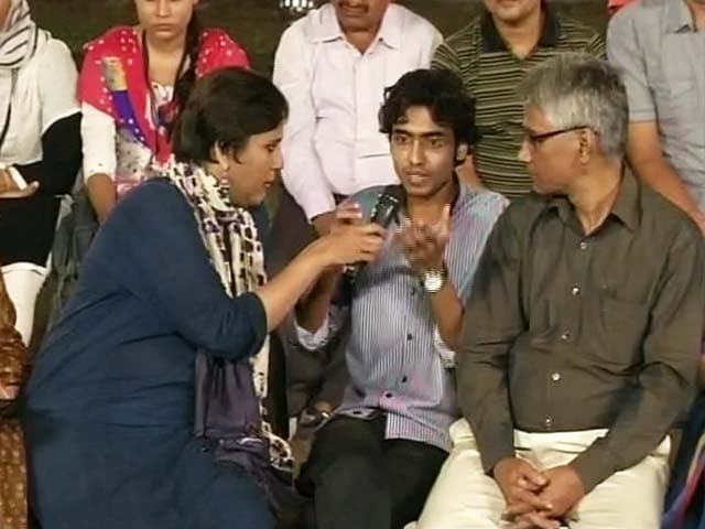 Video : 'We've Rejected <i>Nafrat Ki Rajneeti</i>': Bihar <i>Pe Charcha</i> at Patna College