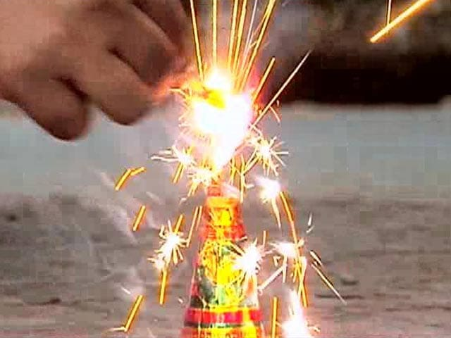 Video : Firecrackers Make Diwali A Festival Of Noise, Smoke