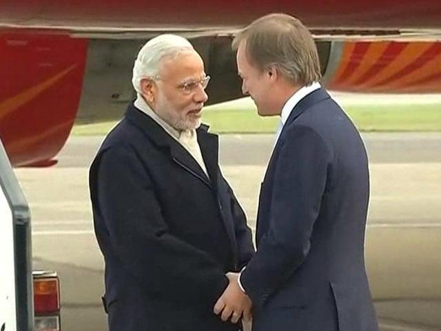 Video : PM Modi Arrives in London for 3-day UK Visit