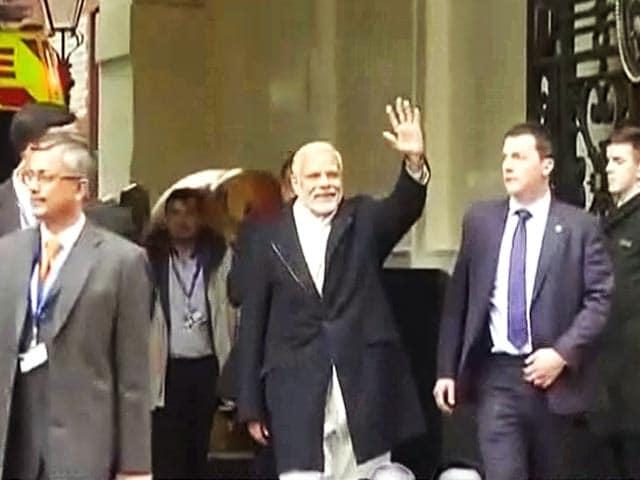 Video : लंदन : समर्थकों ने 'मोदी-मोदी' के नारों से किया पीएम का स्वागत