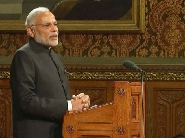 Video : In India, Every Footballer Wants to Bend it Like Beckham: PM Modi