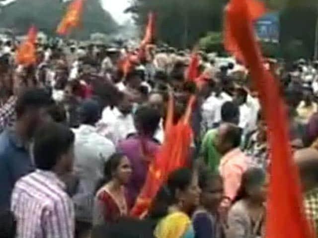 Videos : कर्नाटक में टीपू सुल्तान पर टकराव जारी, कई इलाकों में बंद
