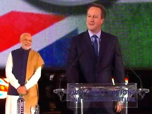 Video : 'Achche Din Zaroor Aayenge', Says David Cameron at Wembley