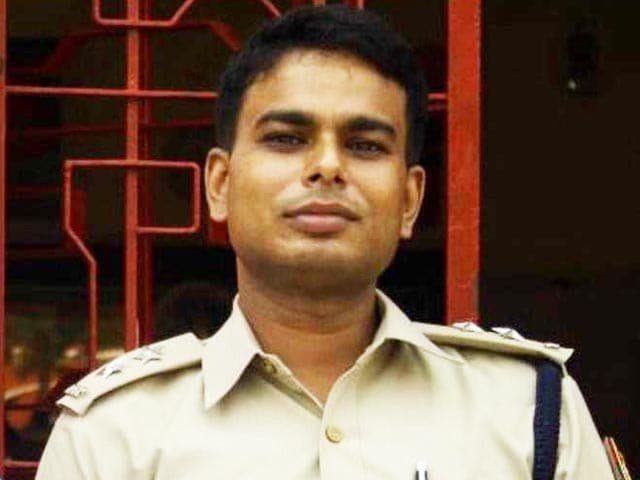 Video : Senior Delhi Cop Allegedly Kills Himself, Wife Jumps From Apartment