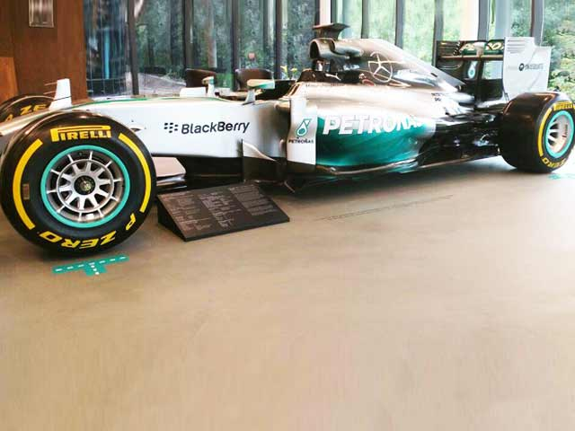 Video : #GLAadventure: A Visit to Mercedes F1 Factory in Brackley is a Must for any Formula 1 Fan