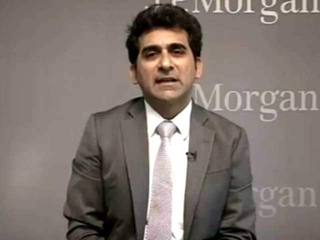 Video : Balancing Wage Hike and Fiscal Deficit a Challenge for Government: Sajjid Chinoy