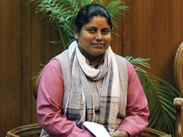 Video : 'आप' विधायक सरिता सिंह के खिलाफ केस दर्ज, ASI को धमकाने का आरोप