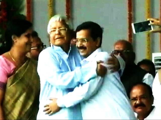 Video : Lalu Yadav 'Pulled and Hugged Me,' Says Arvind Kejriwal