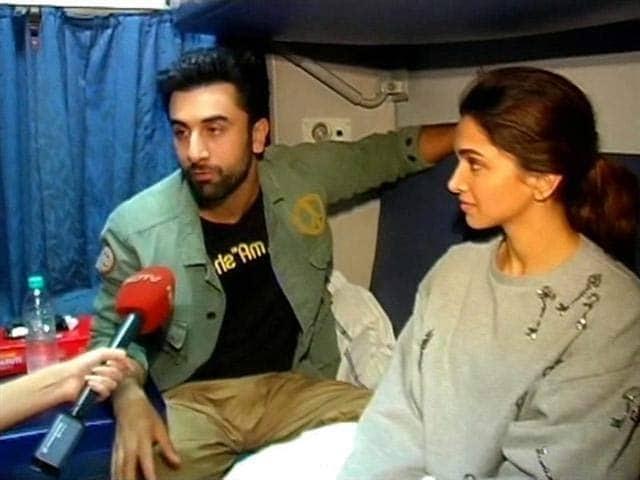 Video : Ranbir, Deepika's Train <i>Waala Tamasha</i>