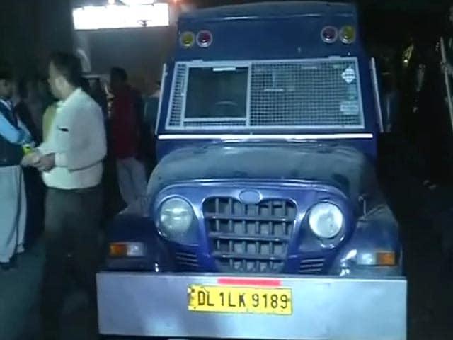 Videos : नेशनल रिपोर्टर : गोविंदपुरी मेट्रो स्टेशन के पास 23 करोड़ की चोरी