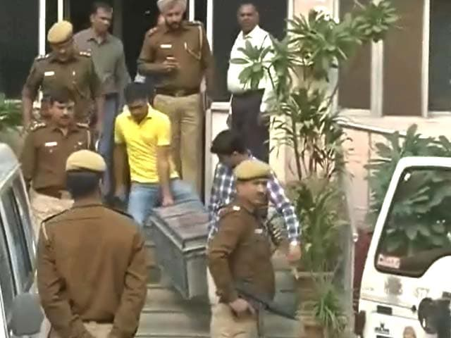 Video : दिल्ली : कैसे 22.5 करोड़ लेकर भागा ड्राइवर और कैसे लुटेरे तक पहुंची पुलिस?