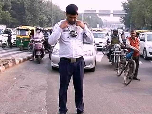 Video : Traffic Cops in Delhi Most Vulnerable to Air Pollution, Say Experts