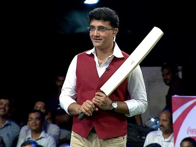 Video : Sourav Ganguly Plays Cricket With Children on the Stage