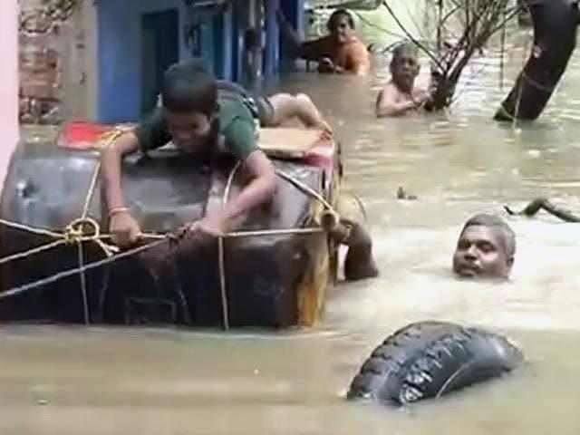 Videos : इंडिया 7 बजे : चेन्नई में 24 घंटे जारी रहेगी तेज बारिश