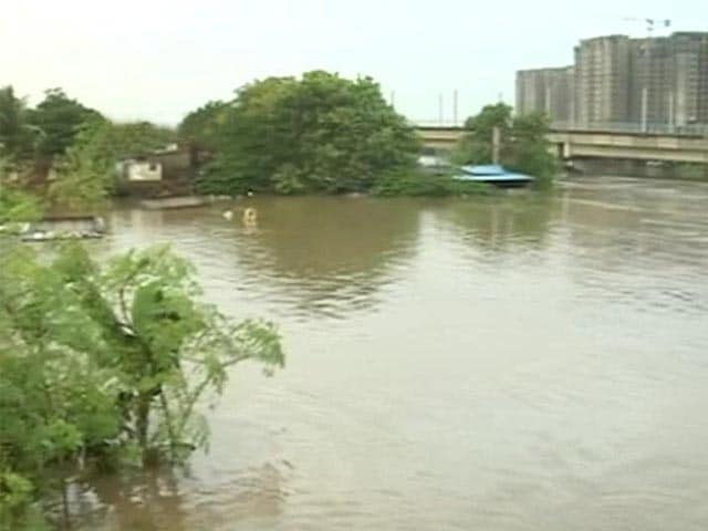Video : Chennai Lakes At Dangerous Levels, Rescue Operations Stepped Up