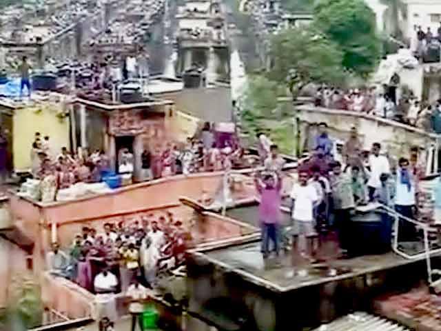 Videos : बारिश ने चेन्नई में 100 साल का रिकॉर्ड तोड़ा, देखिए हवाई तस्वीरें