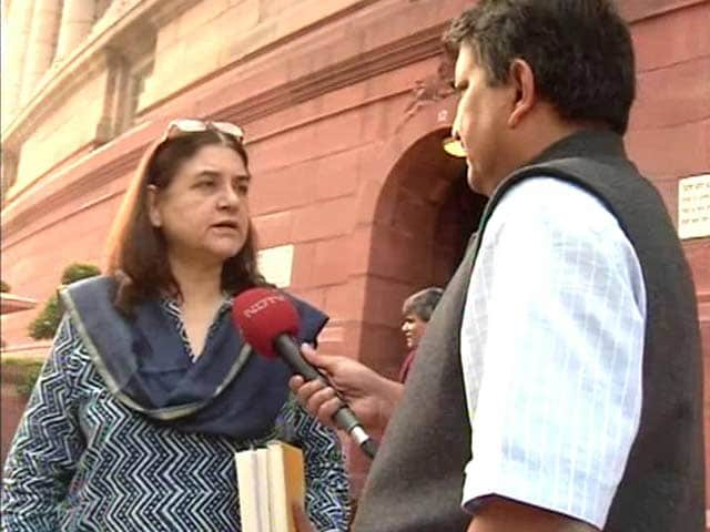 Video : PM in Paris, Minister Maneka Gandhi in Delhi: 2 Voices on Climate Change
