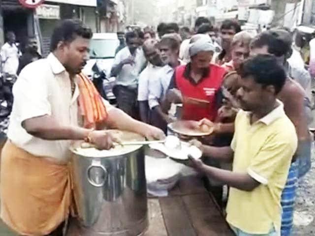 Videos : चेन्नई में सुबह से बारिश नहीं, पानी का स्तर कम हुआ