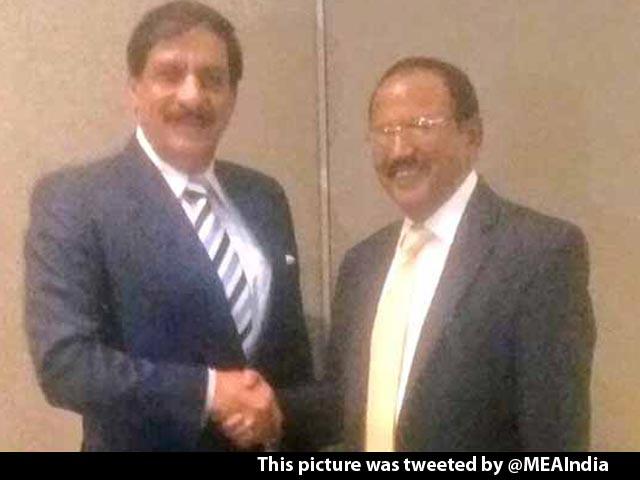 Videos : इंडिया 9 बजे : भारत-पाक एनएसए मिले
