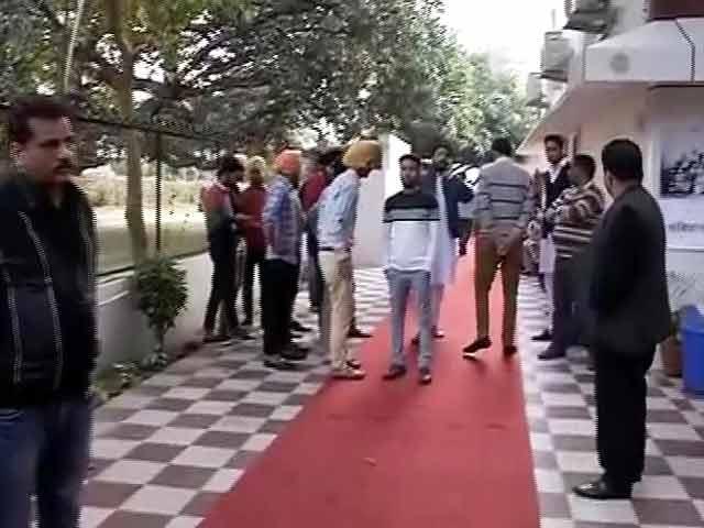 Videos : 7.2 के भूकंप से दहला ताजिकिस्तान, दिल्ली समेत उत्तर भारत कांपा